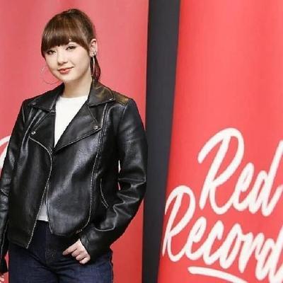 AirAsia menghidupkan lini bisnis label rekaman RedRecords. Mereka bekerja sama dengan penyanyi Jannine Weigel meluncurkan singel berjudul Passcode.